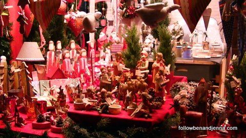 Traditional wooden ornaments at the Frankfurt Weihachtsmarkt (Christmas market)