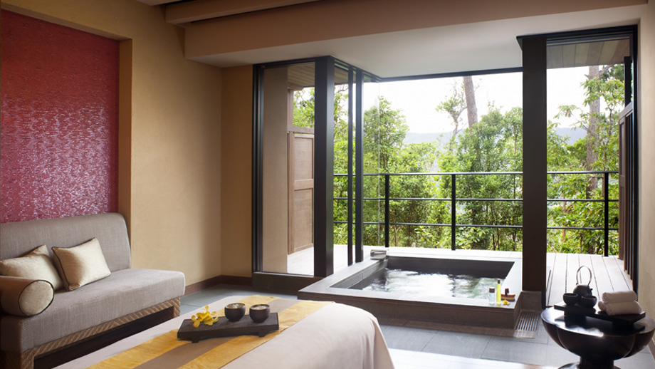 Ritz Carlton Okinawa spa suite espa japan